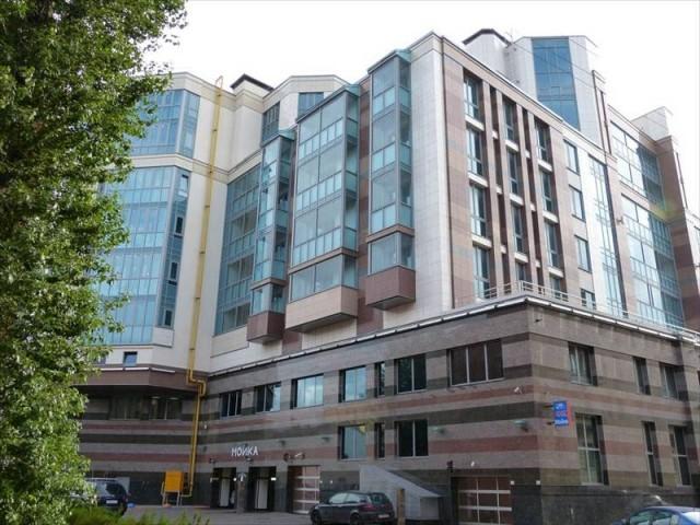Шестикомнатная  квартира Петроградский р-н Ждановская ул д29