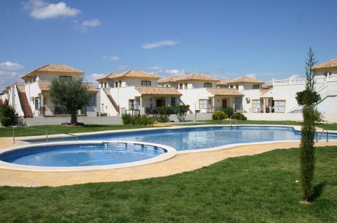 Таунхаус в Lo Crispin Сьюдад Кесада (Испания) по цене квартиры