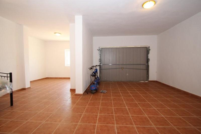 Дом в Дос Дольсес (Испания)