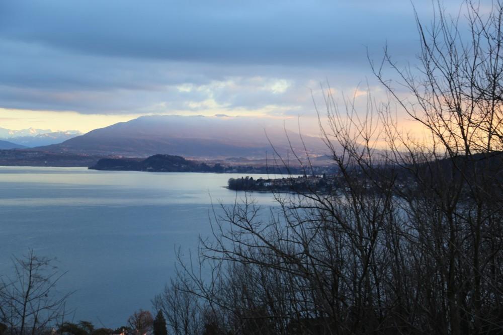 Вила с видом на озеро Маджоре