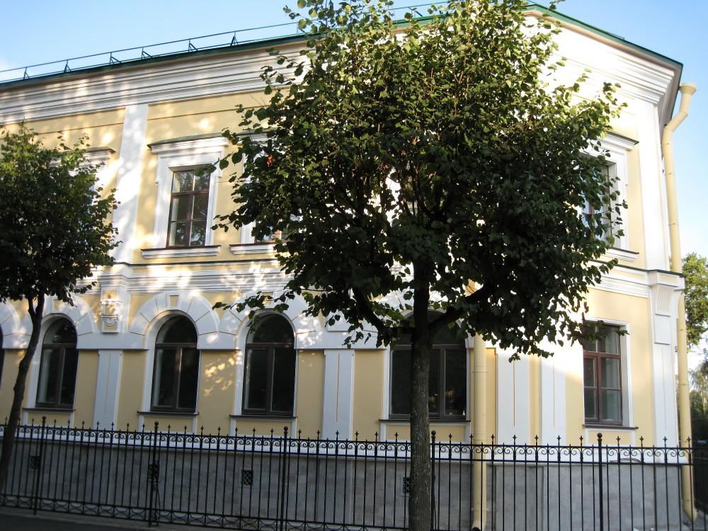 Продажа здания в Павловске, Пушкинский район