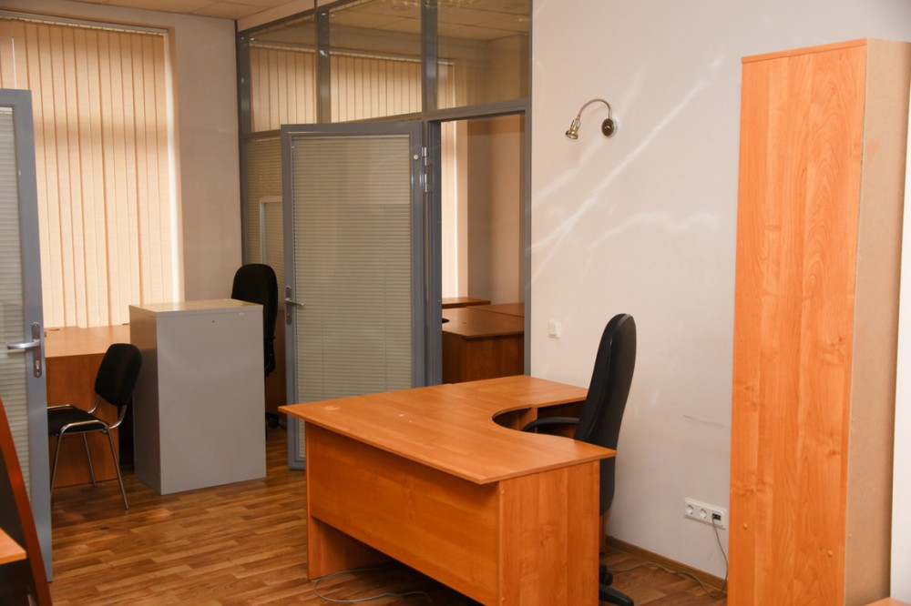 Продажа офиса 367 м на Петровском пр д 14