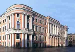 Продажа гостиничного комплекса в центре Санкт-Петербурга