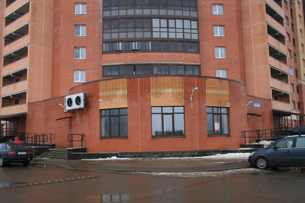 Аренда помещения на ул.Коммунаров, м-н Горелово, г.Санкт-Петербург