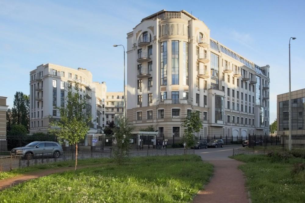Четырёхкомнатная квартира Морской пр д33