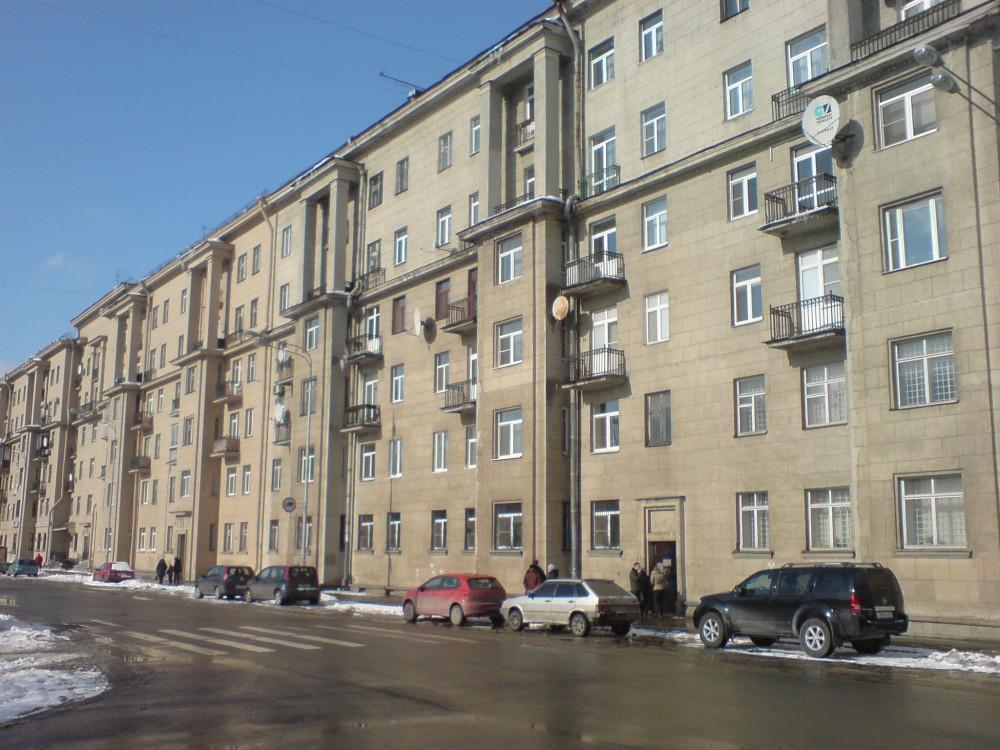 Четырёхкомнатная квартира Московский р-н ул Гастелло д10